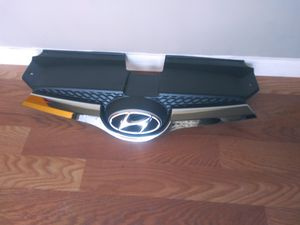 2012 2017 Hyundai. Veloster front Grille OEM Used for Sale in Wilmington, CA