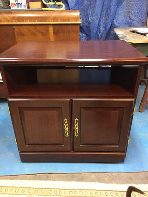 "Nice microwave/tv stand,mahogany finish,27 1/2""tall,29 1/2""long,19""deep,very good condition for Sale in Waynesboro, VA"