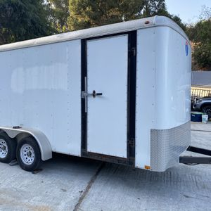 16 Foot Enclosed Toy Hauler Trailer for Sale in Hacienda Heights, CA
