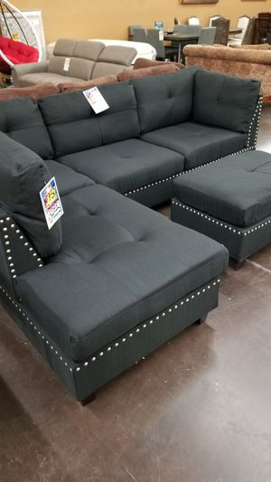 Traditional Black pinhead reversible sectional with a matching ottoman for Sale in Sacramento, CA