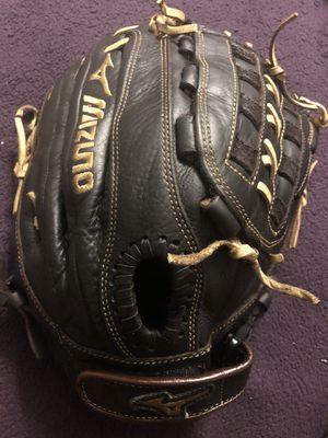 Mizuno Diamond Pro Softball Glove for Sale in Whittier, CA