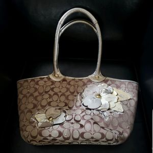 Coach (Floral Women's Bag) for Sale in Mountlake Terrace, WA