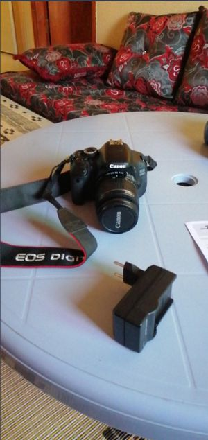 Used,Canon EOS 600D Digital SLR Camera with 18-55IIS/ 18-55IS STM Lens for Sale in Houston, TX