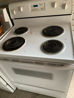 Whirlpool Electric Stove / Oven Range for Sale in Phoenix, AZ