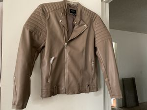 It's a men's leather jacket never been warn by anyone for Sale in Long Beach, CA