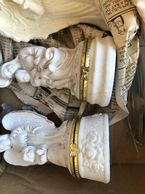 BOX OF ANGELS 11 in this group plus nativity for Sale in Las Vegas, NV