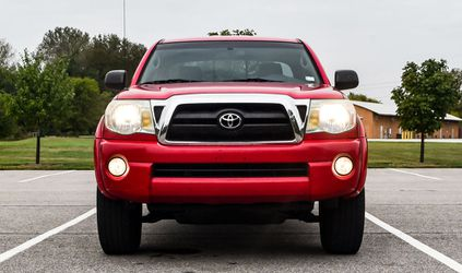 Luxury Car Tacoma 2005 4.0L 6cyl Traction Control for Sale in San Jose,  CA
