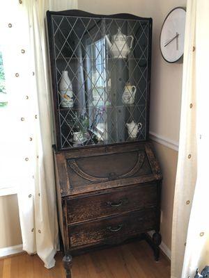 Antique Leaded Glass Hutch/China Cabinet for Sale in Murfreesboro, TN