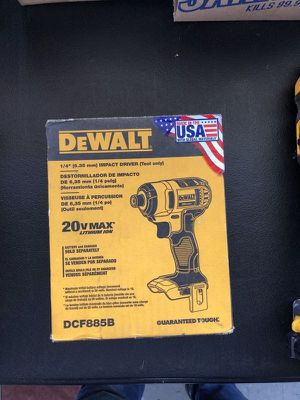 DEWALT right angle drill, impact driver, drywall cutout tool for Sale in Corona, CA