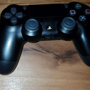 Good controller for Sale in Florissant, MO