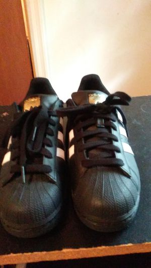 Mens adidas superstar size 8 in very great condition for Sale in Marietta, GA