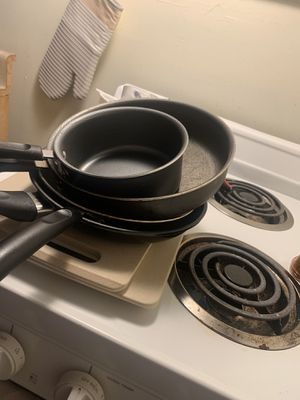 Free kitchen pots and miscellaneous for Sale in San Jose, CA