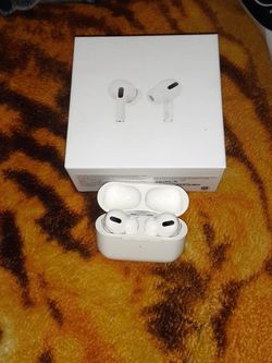 Apple Airpods Pro New Only Used For A Week for Sale in Fresno,  CA