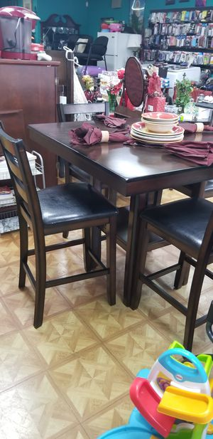Dinning table 4 chairs for Sale in Houston, TX