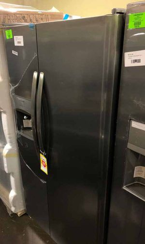 Frigidaire Side by Side Refrigerator 25.5cu-ft 💲 PAC for Sale in Dallas, TX