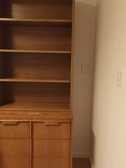 Book shelf WOOD for Sale in Auburn,  WA