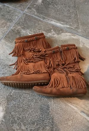 Minnetonka Boots Girls Size 12 Very Good Condition for Sale in Belle Chasse, LA