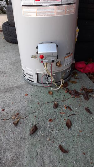 Water heater for Sale in Oakland, CA