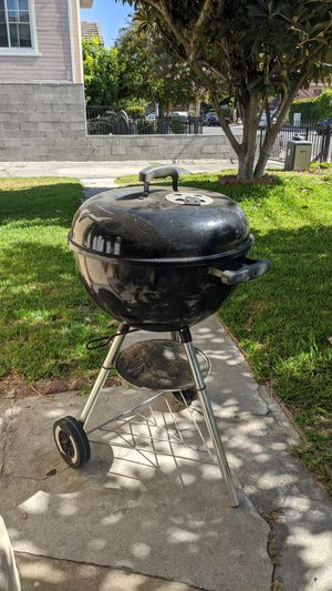 Weber Charcoal BBQ Grill for Sale in San Gabriel, CA