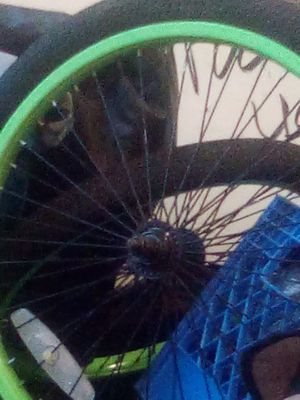 """Girls 20"""" TroubleMaker BMX as is back tire is flat comes with 2 pegs as well hot pink and neon green for Sale in Seattle, WA"""