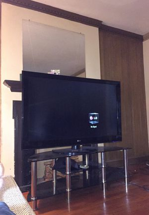 Lg tv 50 good condition plus I also have 55inch tcl roku smart tv for Sale in Cleveland, OH