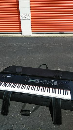 Yamaha Keyboard Music Synthesizer S08 88 key & Case for Sale in Country Club Hills, IL
