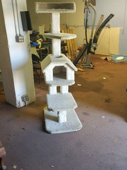 Cat Tree Great Condition for Sale in Fresno,  CA