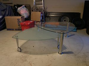 Livings room table/ coffee table/ end table for Sale in Lake Wales, FL