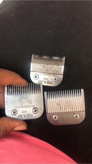 Clippers w/blades for Sale in Moline, IL