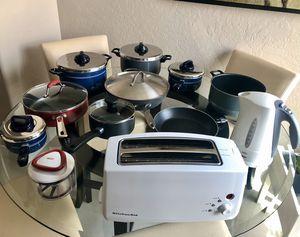 Miscellaneous pots, pans, toaster, kitchen stuff... for Sale in Las Vegas, NV