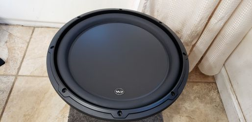 Jl Audio 12w3v3-2 with sealed enclosure like new for Sale in Pleasant Hill,  CA