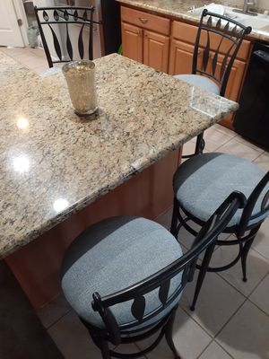 Set of 4 Barstool/chairs for Sale in Fresno, CA
