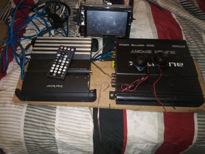 Kicker box 2 amps 2 tweeters and video stereo system for Sale in Harrisburg, PA