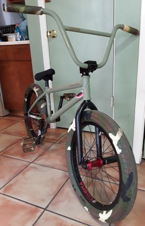 2012 Verde Luxe custom army green Bmx Bike for Sale in Humble, TX