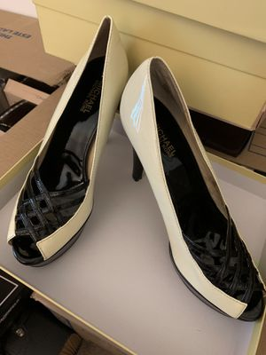 Michael Kors Black and White Heals for Sale in Laurel, MD