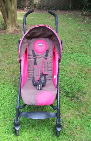 Chicco baby stroller for Sale in Charlotte, NC
