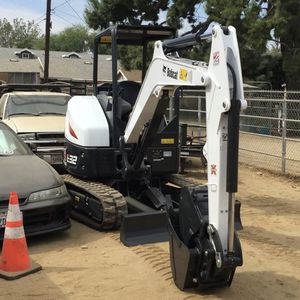 Bobcat And Truck for Sale in Los Angeles, CA