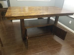 Table and 4 chairs for Sale in Hanford, CA