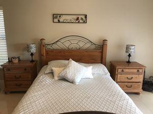 Bedroom set solid wood for Sale in Pembroke Pines, FL