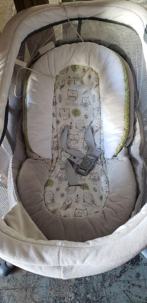 Graco glider baby swing for Sale in Lansing, MI