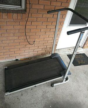 Manual folding Treadmill for Sale in Elmwood, LA