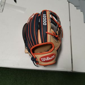 "Wilson A2000 11.5"" JA27 infield glove for Sale in Irvine, CA"