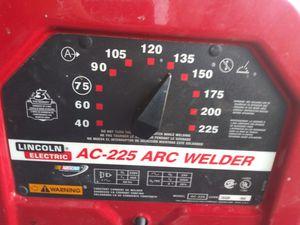 230 volt Lincoln welder like new for Sale in Las Vegas, NV