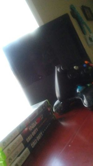 xbox 360 2 controllers 4 games all cable's for Sale in Manassas, VA