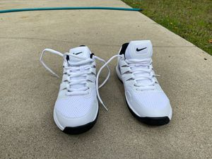 Tennis Shoes (Nike Zoom) for Sale in Glendale, CA