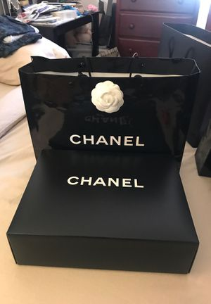 Chanel bag and box authentic for Sale in Industry, CA