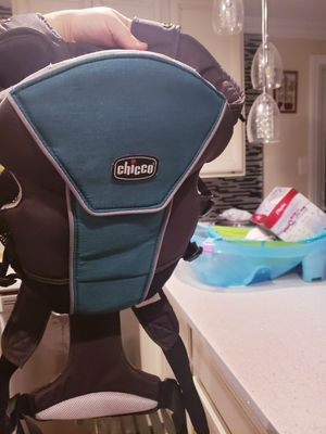 Chicco baby carrier for Sale in Alexandria, VA