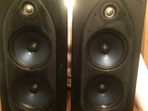 Polk RT 55I amazing sounding .Cabinets have minor scratches for Sale in Boulder City, NV