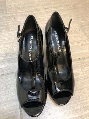 Women's size 7 - 2 in heel black dress shoes for Sale in Maple Valley, WA