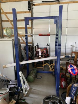 Legends Squat Rack+ 45lb Olympic Bar+ Weight Tree for Sale in Watertown, TN